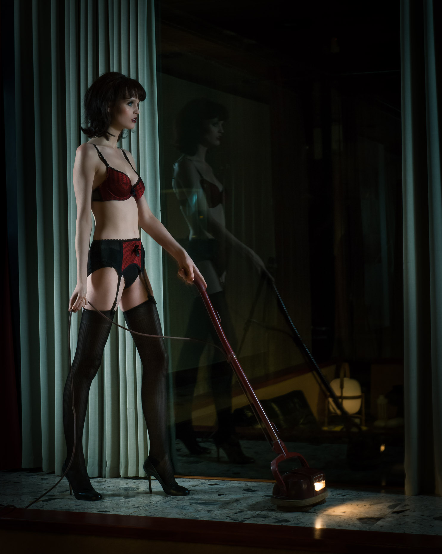 flo-dron-hoovering-in-lingerie