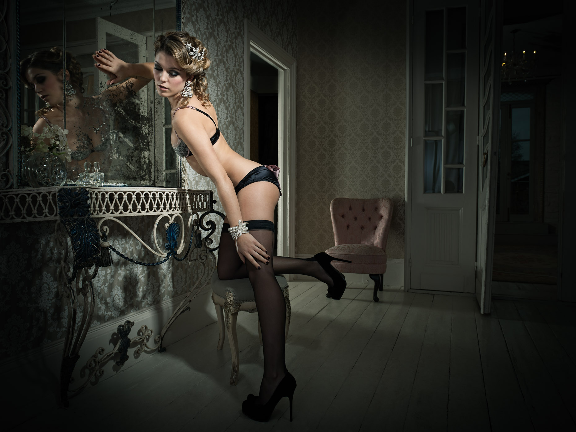 Charlotte-holmes-in-lingerie-kneeling-on-a-chair
